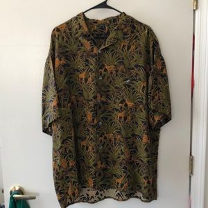 Gillio Short Sleeve Button Down size L gently used